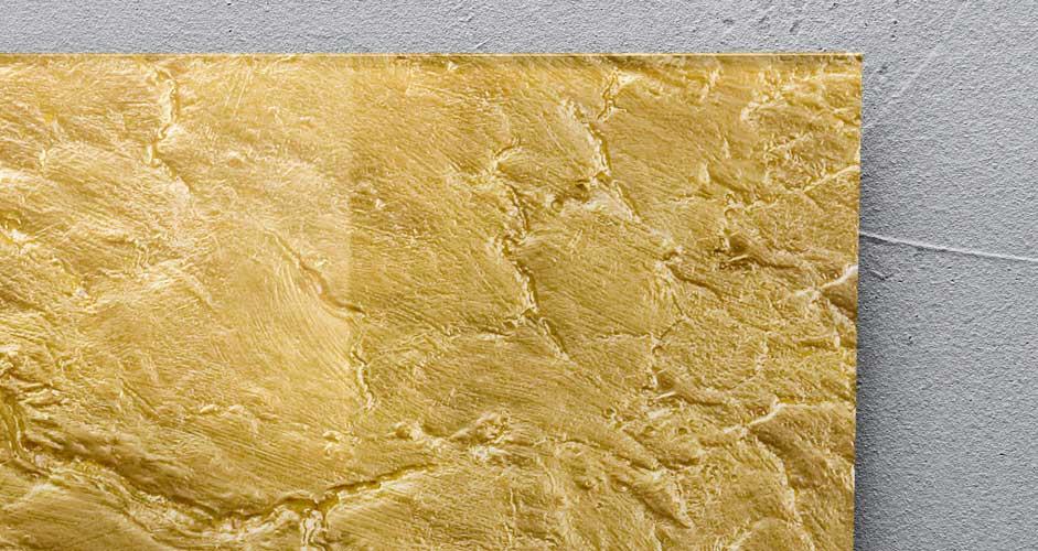 Goldenes Glas-Magnetboard in Detailansicht