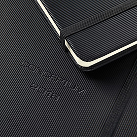 Schwarzer Conceptum Kalender 2018 der Serie Pure mit Softwave-Oberfläche