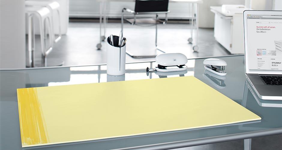 Sliderbild-Papierschreibtischunterlage-3